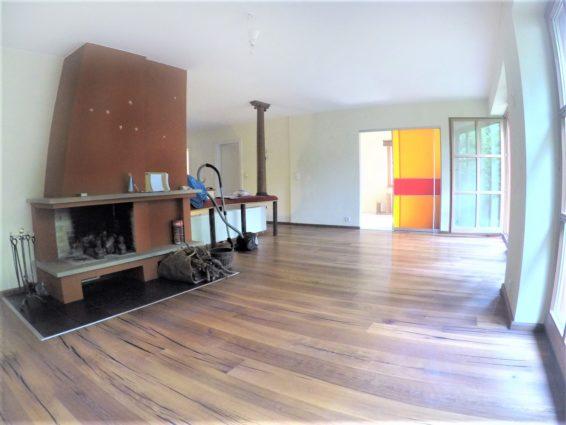 gro z gige erdgeschoss wohnung mit terrasse garten und kamin monnier immobilien gmbh. Black Bedroom Furniture Sets. Home Design Ideas